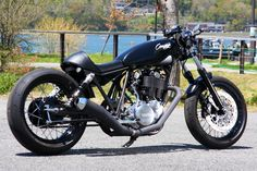 Yamaha SR400 by Candy Laboratory | 534cc | Lowdown suspensions | Japan