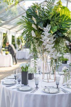 A Votre Service Events | Wedding Planner & Florist in NYC, NJ, Hamptons - Green Wedding, Floral Wedding, Wedding Colors, Wedding Flowers, Tropical Wedding Centerpieces, Wedding Decorations, Wedding Planner, Destination Wedding, Estilo Tropical