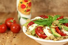 Caprese Salad with a Twist - Avocado, Tomato, Mozzarella and Basil with Pasta from Acosta Acosta Kiebel Tomato Salad Recipes, Avocado Tomato Salad, Avocado Recipes, Healthy Salad Recipes, Healthy Foods, Seafood Recipes, Chicken Recipes, Feta, Caprese Pasta Salad