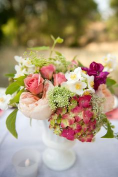 Centerpiece in pinks, coral, fuchsia.
