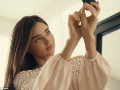 She loves a selfie! Miranda Kerr stars in a new advert to launch the spring/summer collection for Swedish brand H&M, which is launched in stores this week Victorias Secret Models, Victoria Secret, Selfies, Amanda, Miranda Kerr Style, Shanina Shaik, Jaime King, Swedish Brands, Ootd