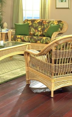 Combine Wicker And Rattan Dining Chair Design