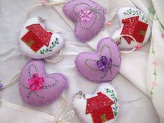 Garland/bunting Hearts 58 inch long Hand made padded houses & beads emb.