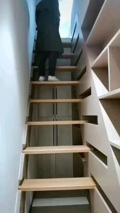 Home Room Design, Tiny House Design, Modern House Design, Home Interior Design, Retractable Stairs, Home Decor Furniture, Furniture Design, Home Decor Hooks, Staircase Design