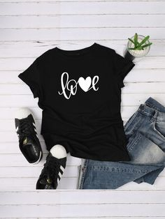 To find out about the Letter Print Tee at SHEIN, part of our latestT-Shirts ready to shop online today! Chemise Fashion, T Shirt Noir, T Shirt World, Latest T Shirt, Plus Size T Shirts, T Shirts For Women, Clothes For Women, Printed Tees, Direct To Garment Printer