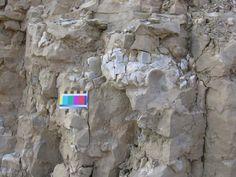 Figure Chert nodules (light grey) in the Ancaster Chert Beds, Sydenham Street, Dundas. Building Stone, Aboriginal People, Ontario, Hamilton, Mount Rushmore, Beds, New Homes, Street, Grey