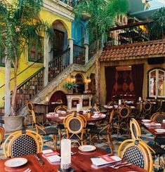 Cuba Libre - - my all time fave restaurant in Philadelphia! Havana Restaurant, Restaurant Design, Cafe Cuba, Havana Bar, Cuba Libre Cocktail, Cuban Cafe, Restaurants In Orlando, Cuba Beaches, Viva Cuba