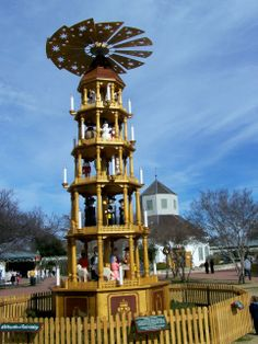 texas windmill road | There were tiers with Nutcrackers and Angels....but, for some reason ...