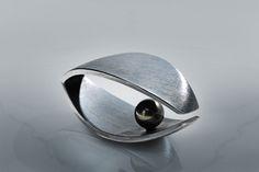 "Ring ""Deep Night"", oxidized silver, Tahiti pearl"