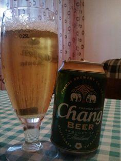 Review de bere: Chang (Bere Thailandeza) Coconut Water, Brewery, Cold, Recipes, Women, Recipies, Ripped Recipes, Cooking Recipes
