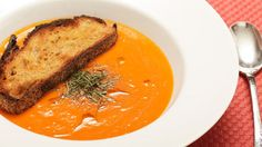 Creamy tomato soup in just 15 minutes! Yum http://www.yummly.com/recipe/15-minute-Creamy-Tomato-Soup-_Vegan_-Serious-Eats-200508
