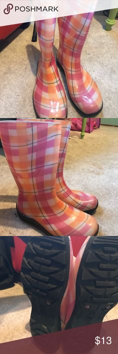 Pink and orange rain boots. Like new condition. S9 Pink and orange women's rain boots. Women's size 9. Like new condition. Very cute and fun boots for rainy days. Shoes Winter & Rain Boots