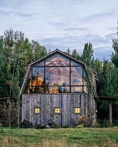 """Pamela Moell on Instagram: """"30 Mars 2018: I need a barn house...... and still do . Why not to celebrate Christmas in . . . . . . .…"""""""