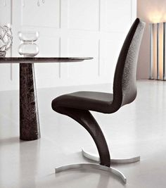 Misura has contemporary and designer tables, chairs, bedrooms, sofas and bookcases. Dining Chairs, Dining Room, Italian Furniture, Floor Chair, Modern Contemporary, Furniture Design, Table, Home Decor, Dining Chair