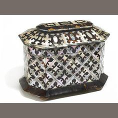 A Regency mother of pearl, abalone and tortoiseshell tea caddy . early 19th century