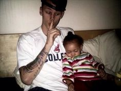 #MGKMonday he's adorable with his kid!