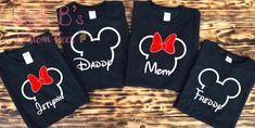 Source by lealmarn Look t-shirt Mickey Mouse Family Shirts, Mickey Mouse Birthday Shirt, Mickey Shirt, Disney Shirts For Family, Minnie Mouse, Disney World Outfits, Disneyland Outfits, Disney Vacation Shirts, Family Vacation Shirts