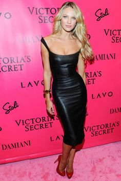 Love this girl, gorgeous! Candice Swanepoel in a sexy leather dress. Moda Black, Sexy Dresses, Beautiful Dresses, Awesome Dresses, Tight Dresses, Looks Party, Fashion Vestidos, Look Fashion, Womens Fashion