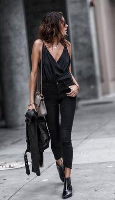 All Black Fashion, Look Fashion, Fashion Clothes, Street Fashion, Fashion Outfits, Fashion Boots, All Black Style, Trousers Fashion, Girl Clothing