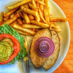 Thanks for sharing this photo of our yummy grilled soy fish on a non- GMO whole wheat bun! We hope to see you again soon at The Vegan Joint! Vegan Restaurants, Vegan Life, Going Vegan, Food Pictures, Avocado Toast, Hummus, Eye Candy, Vegan Recipes, Veggies