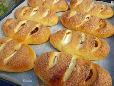 Čo by ste chceli vo vnútri? Hot Dog Buns, Hamburger, Food And Drink, Sweets, Bread, Breakfast, Recipes, Hampers, Bulgur