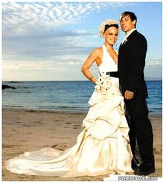 Pink & Carey Hart (January 7, 2006) Gown: Monique Lhuillier | Location: Costa Rica | Status: Married, One Child
