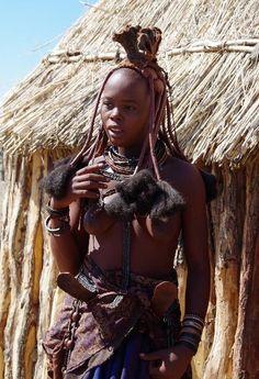 ナミビアの旅(33) 【 ヒンバ族 】 ヒンバ族の女性 : ヤスコヴィッチのぽれぽれBLOG