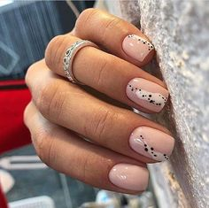 """If you're unfamiliar with nail trends and you hear the words """"coffin nails,"""" what comes to mind? It's not nails with coffins drawn on them. It's long nails with a square tip, and the look has. Stylish Nails, Trendy Nails, Cute Nails, Minimalist Nails, Hair And Nails, My Nails, Fall Nails, Nail Manicure, Nail Polish"""