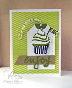 Hand stamped card by Marisa Ritzen using the Small Packages set from Verve. #vervestamps