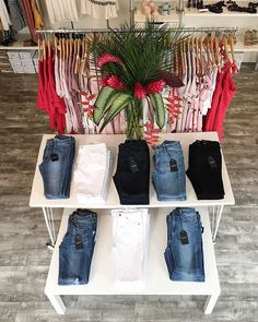 It's officially #whitedenim season! 🌺 @shopcalico  .  #whitejeans #blackjeans #croppedjeans #flarejeans #widelegjeans #highwaistjeans #highwaistedjeans #darkdenim #denimaddict #denimtrends #inmyjustjeans #myfavoritejeans  #shopcalico #newatcalico