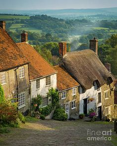 Photographic Print: Evening at Gold Hill in Shaftesbury, Dorset, England by Brian Jannsen : Places To Travel, Places To See, Country Living Uk, Country Life Magazine, England And Scotland, Dorset England, English Village, English Cottages, British Countryside