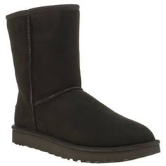 UGG australia Black Classic Short Ii Womens Boots The Classic Short II arrives from UGG, retaining all the classic styling that made it a wardrobe staple, but now with a weatherised update. Crafted of twinface sheepskin in black, the upper has been p http://www.MightGet.com/january-2017-13/ugg-australia-black-classic-short-ii-womens-boots.asp