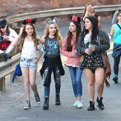 Sabrina Carpenter, Landry Bender and Jade Pettyjohn Disney Channel Stars, Disney Stars, Rowan, Landry Bender, Sabrina Carpenter Style, Ella Anderson, Adventure Time Girls, Nickelodeon Girls, Disney Cast