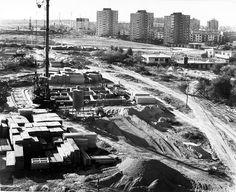 budowa wieżowców przy Kaziemierz Wielkiego , w tle 3 wieżowce przy ul. Rymwida, 1969 r. źródło; Janusz Urban