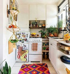 19 Amazing Kitchen Decorating Ideas | Home | Small apartment kitchen ...