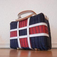Vintage Wicker Purse Plastic Woven Wicker Bag by nellsvintagehouse
