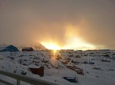11-11-13.. Greenland Today Sisimiut. Snowfall / Snevejr Thank you for sharing / Tak for at dele - Greenland Today Photo : Merete L. Pedersen