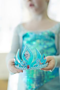 A Stunning Frozen-Themed Birthday Party Even Elsa Would Approve