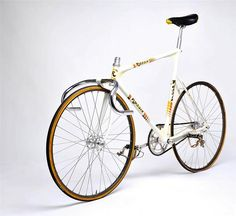 1986 Rossin Track 20 Made Time Trail Aero Columbus Campagnolo C Record Bicycle Fixed Gear Bikes, Fixed Bike, Velo Vintage, Vintage Cycles, Vintage Bikes, Bicycle Types, Bicycle Components, Cycling Art, Cycling Bikes