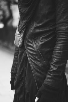 Black and White fashion Blvck goth ninja street goth Nomad Fashion, Dark Fashion, Minimal Fashion, White Fashion, Mens Fashion, Fashion Design, Korean Fashion, Style Fashion, Style Noir