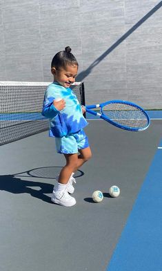 Kylie Jenner showed off her body in Chanel sports gear while her daughter with travis Scott, Stormi, got in on the action Cute Baby Girl, Cute Little Girls, Cute Kids, Cute Babies, Little Girl Outfits, Kids Outfits Girls, Cute Outfits For Kids, Toddler Girl Outfits, Mode Kylie Jenner