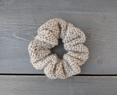 Can Knitting Soothe Your Temper? Easy Crochet, Free Crochet, Knit Crochet, Crochet Frog, Crochet Hair Accessories, Crochet Hair Styles, Free Knitting, Knitting Patterns, Crochet Patterns