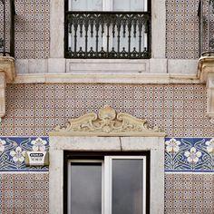 #azulejos #tiles #pixel #pixelart #art #arte #artofvisuals #urban #urbanart #urbanwalls #pattern #patterns #patterndesign #design #streetart #gallery #gallerywall #portugaldenorteasul #igersarchitecture #architecture #huntgram #rsa_minimal #amazing #rsa_graphics #vsco #vsco_good #igers #portugalcomefeitos #instagram #doorsandwindows