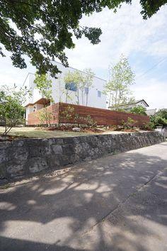 モリハウジング:漆喰外壁・荻野寿也景観設計