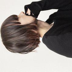 Pin on ファッション Pin on ファッション Shot Hair Styles, Curly Hair Styles, Hair Arrange, Mid Length Hair, Teen Hairstyles, Face Hair, Hair Designs, Short Hair Cuts, Hair Hacks