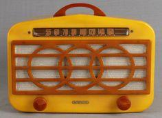 Stunning Mid Century Catalin Bakelite Radio