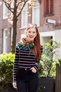 Outfit | Green Vintage Silk Scarf  Trend - Retro Sonja Fashion Blogger Amsterdam - www.retrosonja.com