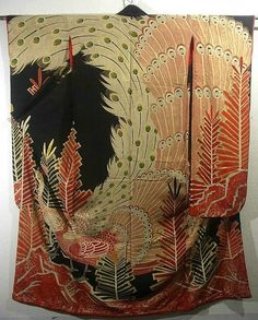 Magnificent vintage hon-furisode for bride has attractive peacock with abstract matsu(pine tree) pattern, which are dyed.  Lots of gold dyestuff are used, and this piece has exceptionally gorgeous atmosphere.  Fine embroidery work are added and emphasizing the details of the pattern.