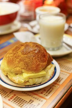 Kam Wah Cafe that serves the Best Polo Bun ( Pineapple Bun 菠蘿包 ) in Hong Kong | Chin Chai Jiak