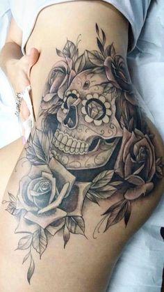 Mexican Skull Tattoo: 70 Photos From This Traditional Reference - Mexican Skull Tattoo: 70 Photos From This Traditional Reference - Hip Thigh Tattoos, Hip Tattoos Women, Spine Tattoos, Badass Tattoos, Body Art Tattoos, Girl Tattoos, Sleeve Tattoos, Tatoos, Mexican Skull Tattoos